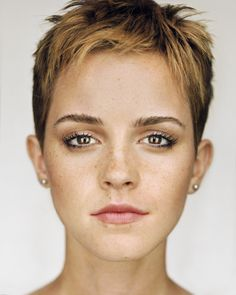 Emma Watson #perfectpixie & those sun-kissed freckles! short hair, natural makeup, pixie cuts, pixie haircuts, emma watson, short cuts, pixie cut dark hair, pixie cut eyes, natural beauty
