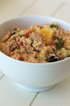 Salada de couscous com atum e laranja