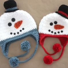 Keep cozy this winter with an adorable crochet snowman hat! Free pattern included!