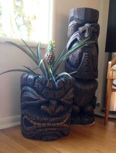 yard, pineappl, planter, tiki bar