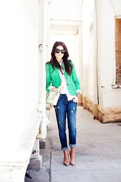 When it comes to ways to wear boyfriend jeans, one of the easiest ways to dress up this denim staple is with a smart pair of shoes. A pair of heels, whether they be a ladylike pump or modern block-heeled sandal, is great for balancing out a slouchy outfit. If you're not big on heels, then polished ballet flats or metallic sandals will do just the trick as well.