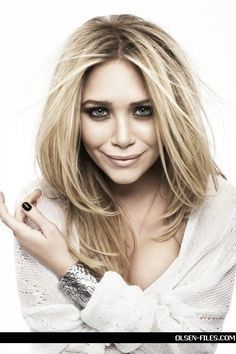 Google Image Result for http://images2.fanpop.com/images/photos/6400000/photoshoot-mary-kate-and-ashley-olsen-6414965-433-650.jpg
