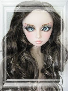 Gorgeous doll txt from their site: * Obitsu 60cm Gretel & Haruka * Below are One of a Kind dolls made with Obitsu Gretel heads on 60cm Obitsu bodies by Garden of Dolls. OOAK dolls can be found on http://stores.ebay.com/Gardenofdolls