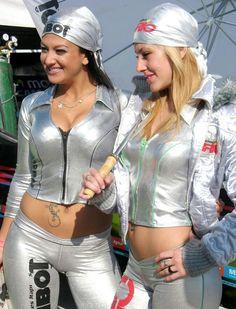 Sexy grand prix pitlane grid babes