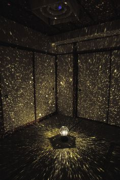 """DIY Romantic Star Projector. Good idea for a suprise """"dinner under the stars"""" date for here in LA where you can't see actually any stars"""