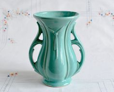 Love McCoy pottery. I have this one!