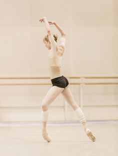 Sarah Lamb in rehearsal for Tetractys - The Art of Fugue, The Royal Ballet ©ROH/Johan Persson, 2014