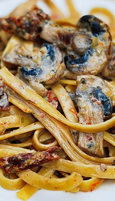 Sun Dried Tomato and Mushroom Pasta with Garlic-Basil Sauce. Click on picture for instructions.