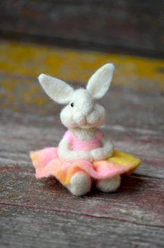 Needle Felted wool Bunny Rabbit  - needle felted animals - Bear Creek Bunnies