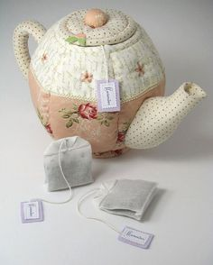 Quilted Tea Pot and bags...