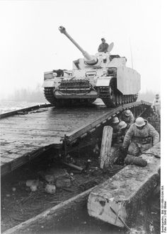 German Panzer IV Ausf H. Russia 22 December 1943.