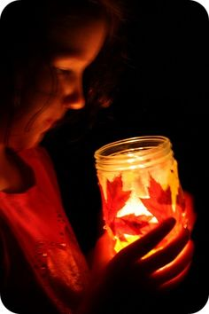 Make Light Up Leaf Lanterns for the Thanksgiving dinner table! Use mason jars, Mod Podge & long lasting LED submersible lights to illuminate your DIY autumn lamps: http://www.flashingblinkylights.com/ledsubmersiblecraftlights-c-114_462.html
