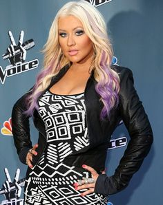 Christina Aguilera goes purple with a lilac dip-dye