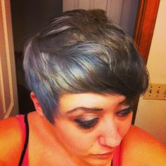 Blue/gray hair