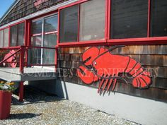 Abbots Lobster in the Rough, Noank, Connecticut #dining #seafood #Connecticut  http://moomettesmagnificents.com/blog/quite-corner-new-england-ct-antique-capitol-things-to-do/