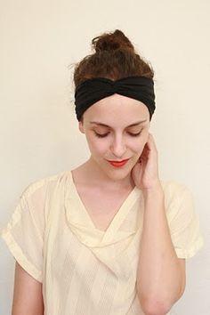 Very simple knit headband.