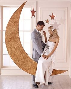 Love the moon and stars for a party  Things Festive Wedding Blog: diy wedding ideas