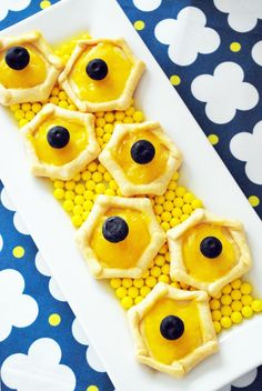 SNEAK PEEK into Stylish Kids' Parties book by Kelly Lyden: What Will it Bee? #babyshower #bumblebee #desserttable #stylishkidsparties #whhostess #recipe #lemontart