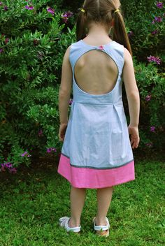 crafterhours: Keyhole Cut-Out Bodice: A Tutorial