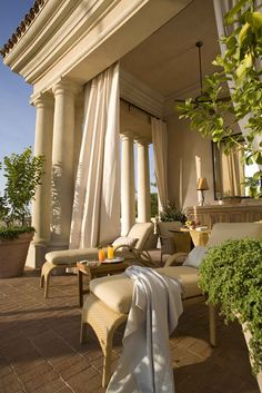beautiful patio and lounging area