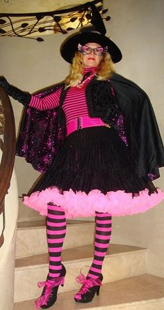 Look at this great pink witch costume!