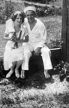 Hymie Weiss and his bride on their honeymoon.    http://chicagohistorymuseum.tumblr.com/post/12793007479/hymie-weiss-and-his-bride-on-their-honeymoon iChi-14412 #chicago #history #crime #hymieweiss