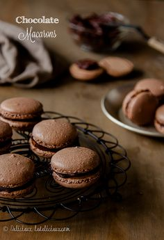 Chocolate Macarons via Le Delicieux #recipe
