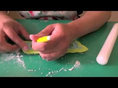 Silicone Cake Border Molds - How to Use Silicone Molds to Make Cake Borders