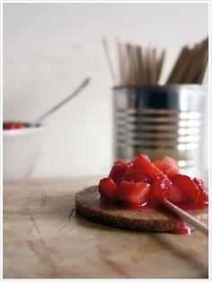 Strawberry Pie Pops