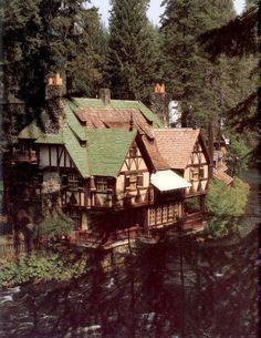 Julia Morgan - Bear House, Wyntoon, 1932-33, CA