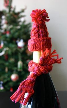 Bottle Hat & Scarf by designer Knits for Life (free)