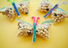 How cute are these little dragon flies? Remember for snack or classroom birthday treats!!