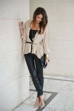 love this style. Very elegant, but it still looks comfortable and chic