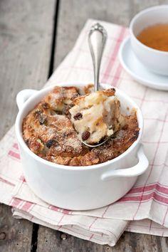Shalut --day-old bread and apple pudding (egg whites, raisins)