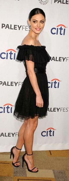 Phoebe Tonkin is gorgeous in little black dress and high heels