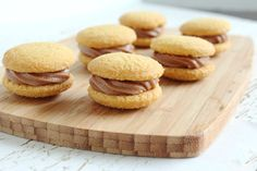 Mini Nutella Wafer Bites - so easy to make and delicious to eat! Great for both kids and adults!! #recipe #dessert