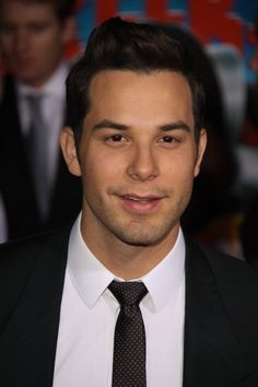Skylar Astin from pitch perfect