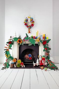 Colorful Etsy holiday finds - the mantle garland is all made of paper!