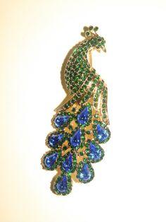 emeralds, brooches, ladiesfashionsensecom blog, sapphir emerald, emerald swarovski, statement brooch, swarovski crystals, crystal statement