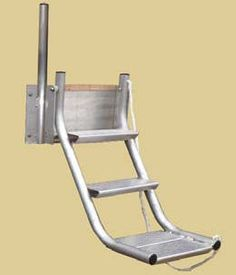 DOG LADDER • A Favorite of Pet Owners! The Wahoo Docks Dog Ladder was developed for dog lovers by dog lovers. The platform steps are positioned to accommodate any size dog…or small people!