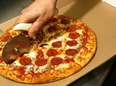 74,476 Reasons You Should Always Get The Bigger Pizza