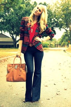 Love the whole casual outfit.