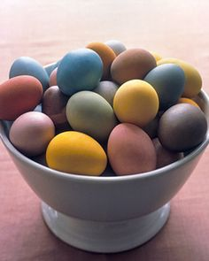 How to Dye Eggs (& other things) Naturally