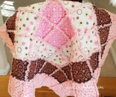 17 Snuggly Free Rag Quilt Patterns from @FaveQuilts