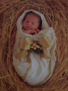 holiday, idea, christmas presents, manger, babi chang, jesus photograph, peace, christmas baby, babi jesus