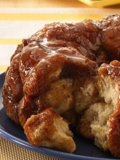 Classic monkey bread recipe, oozing with warm caramel and cinnamon. Monkey bread is irresistible! #PillsburyEaster