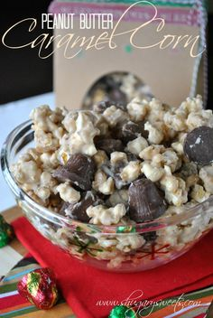 Peanut Butter Caramel Corn with Butterfingers- #holidaycandy #cbias www.shugarysweets.com