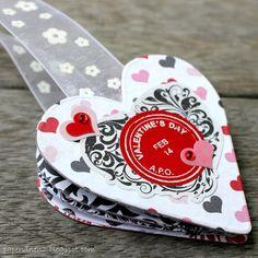 PaperVine: Valentine's Bookmark Album with Echo Park