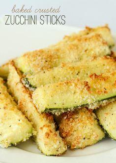 Easy and Delicious Baked Crusted Zucchini Sticks { lilluna.com }