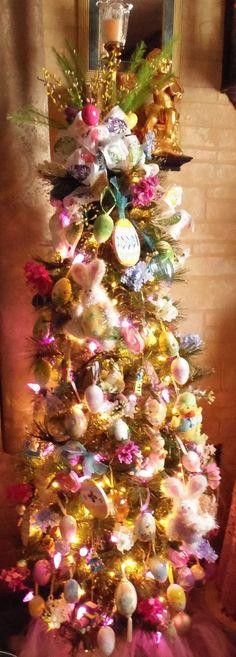 : Living Room Easter Tree